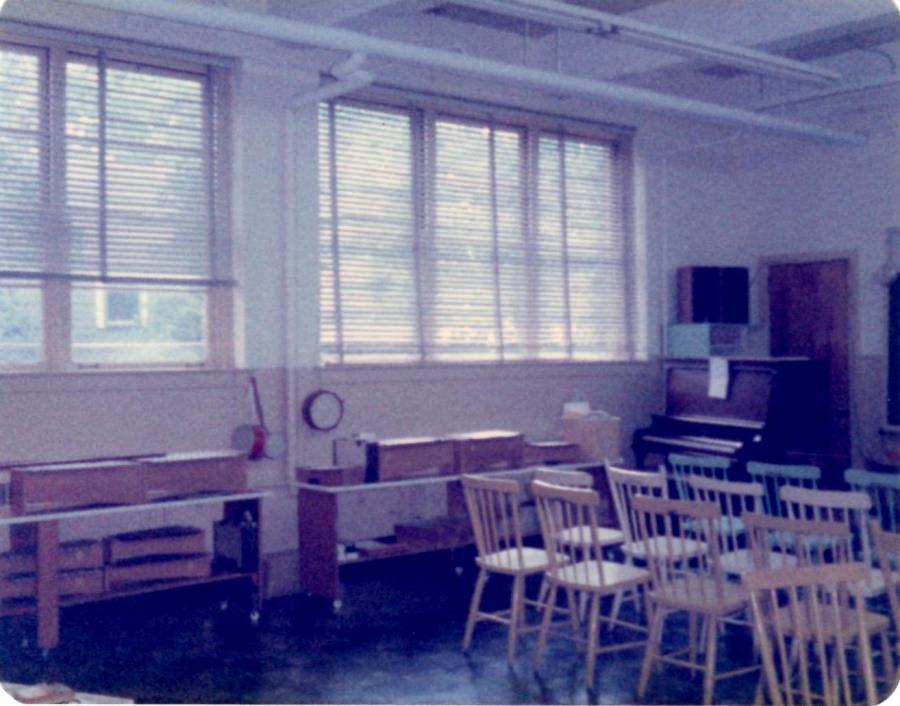 Windsor Elementary School - music classroom -1